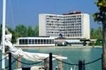 Отель Hotel Helikon