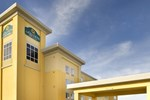Отель La Quinta Inn & Suites Denton - University Drive