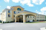 Отель La Quinta Inn & Suites Richmond - Kings Dominion