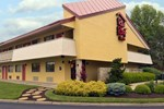 Отель Red Roof Inn Cincinnati Northeast - Blue Ash
