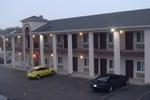 Отель Townhouse Inn & Suites