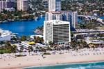 Отель Courtyard By Marriott Fort Lauderdale Beach