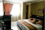 Отель Hotel Six Avenue