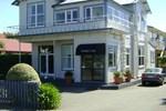 Отель Trafalgar Lodge