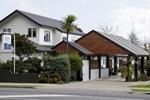 Отель Amber Court Motel
