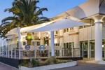 Отель Watermark Hotel Glenelg