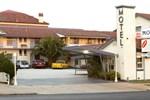 Отель Cowra Motor Inn