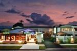 Отель Discovery Cairns Hotel