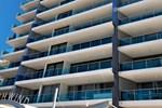 Апартаменты Northwind Beachfront Apartments