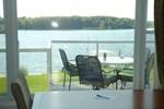 Bayside Inn & Waterfront Suites