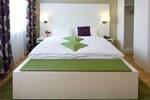 Отель Hotel Karolinger-Hof