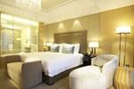 Отель Wyndham Grand Plaza Royale Oriental Shanghai