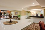 Отель Holiday Inn Express Hotel & Suites CAMARILLO