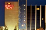 Crowne Plaza Suites Arlington
