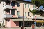 Отель Hotel Garnì Dora