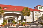 Отель La Quinta Inn & Suites Fort Myers Airport