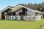 Апартаменты Holiday home Halvrebene Hadsund I