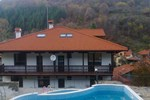 Отель Family Hotel Chiflik Hills