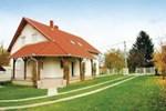 Holiday home Gyulai Pal Utca-Balatonszárszó