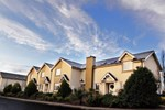 Апартаменты Avon Ri Lakeshore Resort
