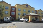 Отель Comfort Suites Downtown Sacramento