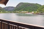 Апартаменты Apartment Leirvik i Sogn Leirvik/Hyllestad