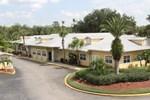 Отель Tropical Palms Resort & Campground