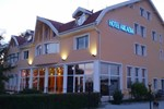 Отель Hotel Arcadia