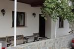Отель Moutoullas Cottage
