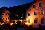 Отель Strasserwirt - Herrenansitz zu Tirol