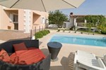 Апартаменты Holiday home Kastel Sucurac Ivana Pavla