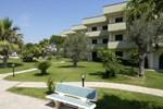Отель Hotel Village Paradise