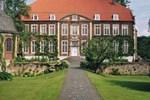 Отель Hotel Schloss Wilkinghege