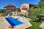 Апартаменты Holiday home Sestanovac Put Zezevice