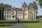 Апартаменты Le Château de Pretreville (Appartements du château)
