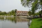 Отель Au Bord du Lac