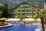 Отель Familien-Wellness Residence Tyrol