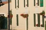 Отель La Jolie Maison guesthouse