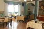 Отель Il Campanile Hotel - La Cantina Del Pittore