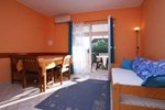 Апартаменты Holiday home Sveti Silvestar IV