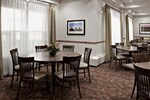 Отель Country Inn & Suites By Carlson Calgary Airport