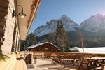 Отель Hotel Family Alm Tirol