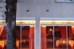 Отель Hôtel L'Ouvrée