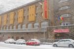 Отель Hotel Les Terres