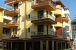 Отель Hotel Dollari