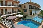 Отель Giannis & Foteini