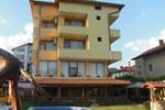 Отель Sharkov Family Hotel