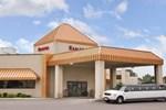 Отель Ramada Inn & Suites Airport