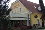 Гостевой дом Centrum Étterem és Panzió
