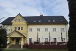 Отель Hotel Žákova hora